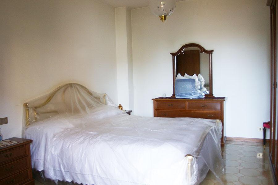 Appartamento con garage e terrazza in vendita ad atri for Garage con camera da letto sopra i piani