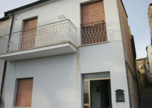 Atri,2 Locali Locali,2 BagniBagni,Casa indipendente,Vico Grue,1422