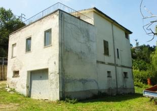 Atri,4 Locali Locali,2 BagniBagni,Rustico / Casale,Contrada Rocca,1445
